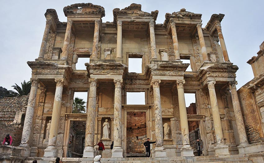 Efes Antik Kenti Nerede Giriş ücreti Ulaşım Gezgin Sitesi